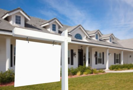 Blank Real Estate Sign & New Home Stock Photo - 6028684
