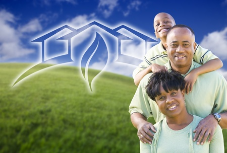 přátelský: Happy African American Family and Green House Graphic in Grass Field.