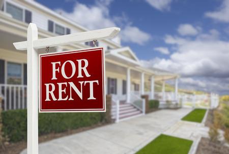 Red Do wynajęcia nieruchomości znak z przodu piękne House.