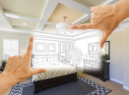 Mooie Handen Framing Custom Bedroom Drawing Foto Combinatie. Stockfoto