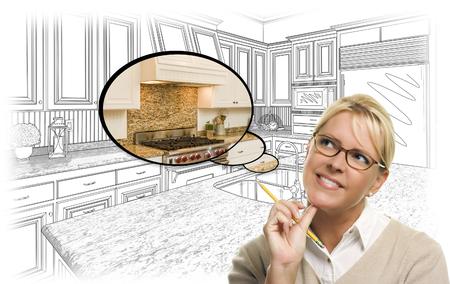 persona pensando: Mujer creativo con el l�piz sobre Personalizadas Dibujo Cocina y Burbuja de pensamiento Foto de combinaci�n.