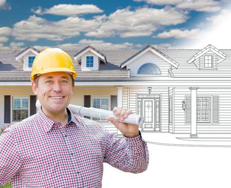 Mannelijke Aannemer Draag Harde Hoed Voor Huis Tekening Gradatie In Foto. Stockfoto
