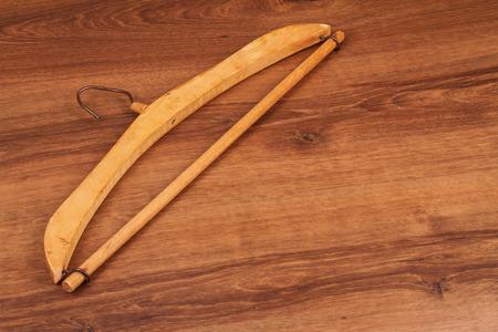 old times: Esta es una percha de madera de los viejos tiempos. Muy hermoso dise�o en la madera.