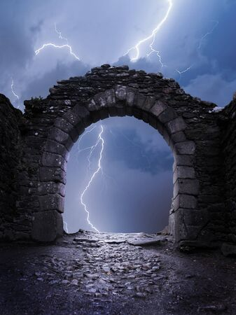 石のアーチ