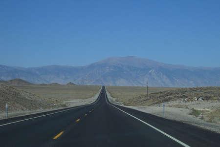 사막 고속도로