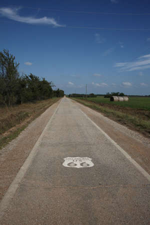 route 66: Narrow section of old Route 66 in Oklahoma