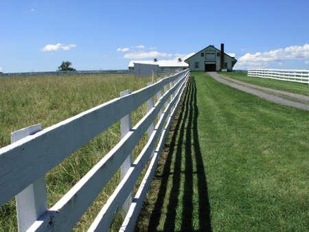 Pennsylvania Field and Farm House Stock Photo - 6239309