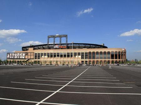 New York, 30 juli 2009: de Mets Concrete en ouderwetse Citi Field tijdens haar eerste seizoen brick Redactioneel