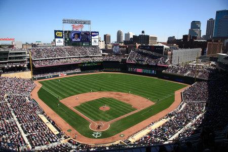 Minneapolis, 22 april 2010: brand new stadion van de Minnesota Twins rendement outdoor honkbal aan de partner steden