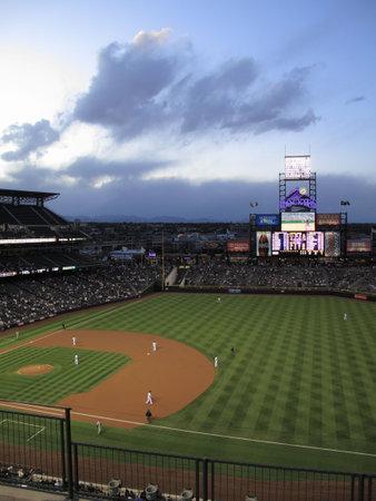 Denver, Colorado - 30 september, 2009: Coors Field, de thuis van de Rockies, voordat een spel aginst de Milwaukee Brewers