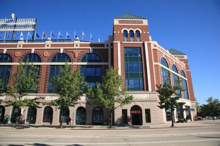 ballpark: Arlington, Texas, el 28 de septiembre de 2010: Texas Rangers Ballpark en Arlington, un servicio �nico de B�isbol abri�, en 1994 con la antigua arquitectura de ladrillo de fashined.