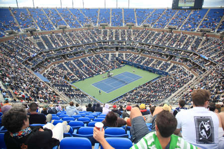 New York - September 9, 2010: A crowded Arthur Ashe Stadium for a U.S. Open tennis match in Queens, New York City. Éditoriale