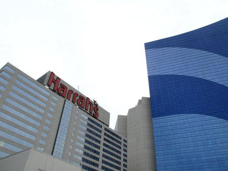 Atlantic City, New Jersey - April 20, 2011: Harrah's Hotel and Casino resort in the Marina section of Atlantic City. Stock Photo - 9601110