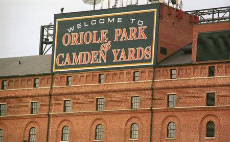 Baltimore, Maryland - 22 juli 2003: Magazijn bij Oriole Park bij Camden Yards. De Orioles honkbal huis geopend in 1992 tegen een kostprijs van $ 110 miljoen.