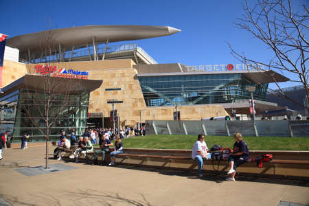 citizens: Minneapolis, Minnesota - April 22, 2010: Fans arrive at Target Field, home of the Minnesota Twins. Editorial
