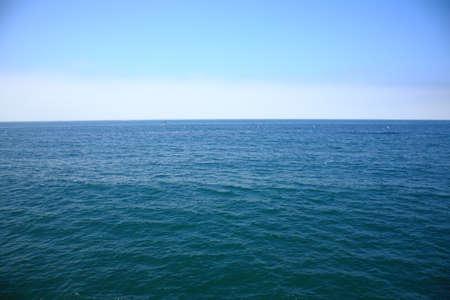 Océan Pacifique - Une vue de l'océan Pacifique depuis le quai de Santa Monica en Californie. Banque d'images