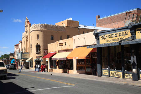 fe: Santa Fe, New Mexico - September 23, 2010: A street in Santa Fe containing stores, shops, cafes and art galleries.