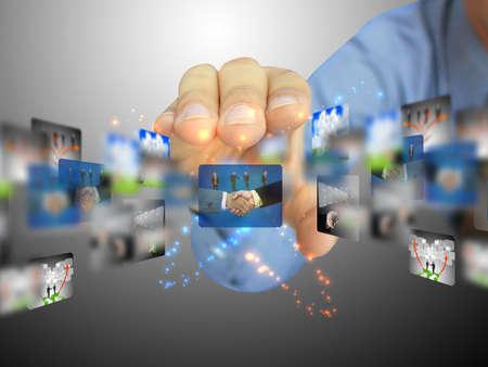 interaccion social: mano que sostiene la colecci�n de negocio