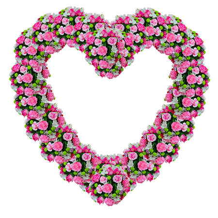 heart shaped: Flowers heart with clipping path