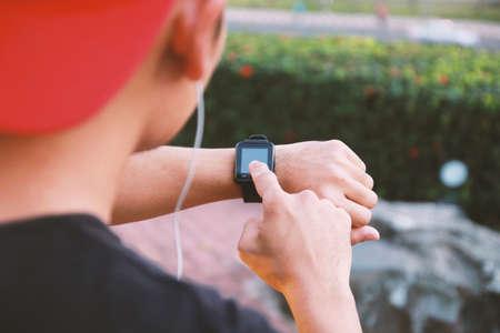 Reloj social El Hombre Inteligente Concepto Que De Usa App XiOPlwkZuT