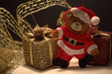 babbo natale orso co i regali