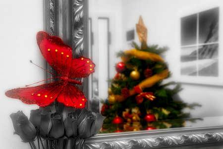 albero di natale riflesso nello specchio Stock Photo