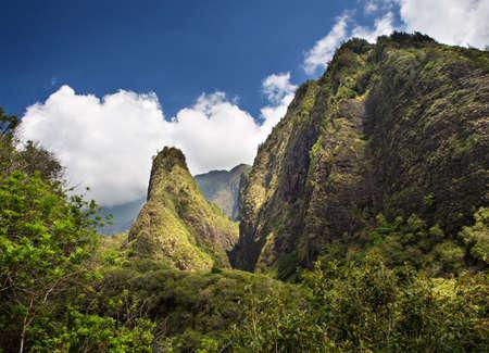 Horizontal view of the Iao Needle located on the Hawaiian Island of Maui Imagens