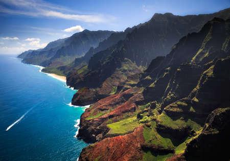 ハワイ カウアイ島の美しいパーリ語の海岸線 写真素材