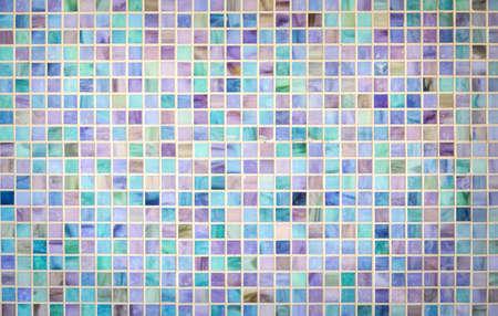 다채로운 모자이크 유리 타일 벽