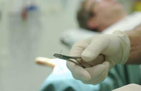 suturer une plaie