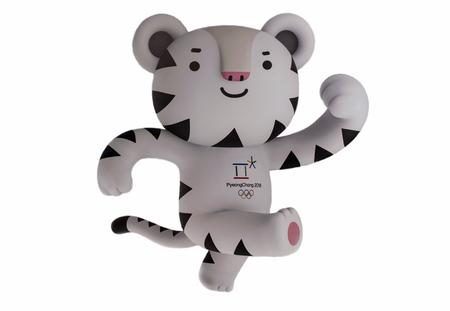 14 december 2017 Moskou, Rusland Officiële mascotte XXIII Olympische Winterspelen in Pyeongchang, Republiek witte tijger Soohorang, Korea.
