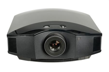 Enorme zwarte home cinema projector, geïsoleerd op wit. Stockfoto