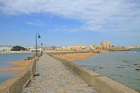 passway to Castle of San Sebastian in Cadiz, Spain Stockfoto