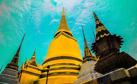 Golden Stupa in Bangkok, Thailand Imagens