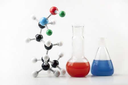 educativo: Echar 2 y cadena molecular