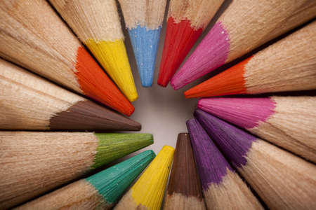 color�: Couleur arri�re-plan crayons Banque d'images