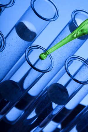chemic: Labolatory flaconi vetro e pipetta