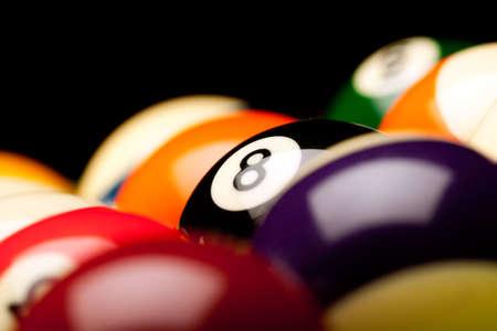 snooker balls: 8 ball