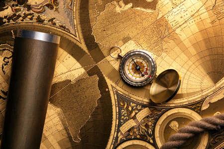 carte tr�sor: vieux mat�riel de la carte, la boussole et la navigation