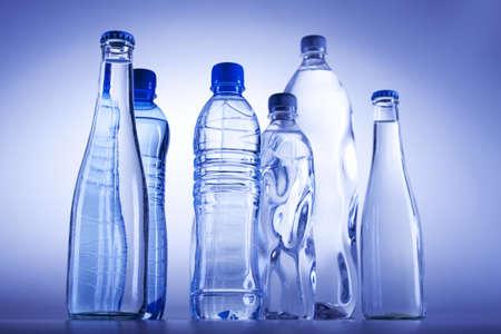 purified water: Botella de agua
