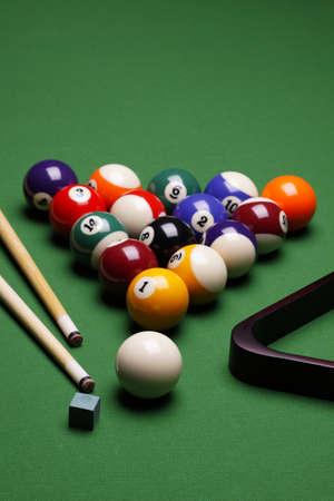 snooker table: Billiard!