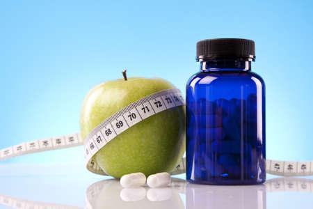 pills in hand: Concepto de fitness