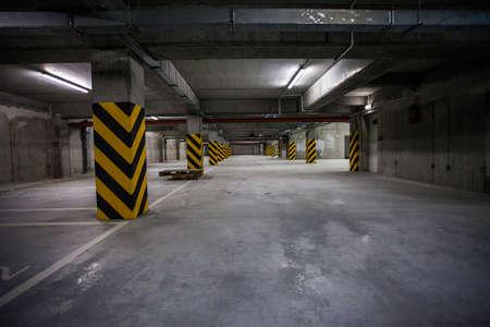 parking space: Underground garage. interior shots