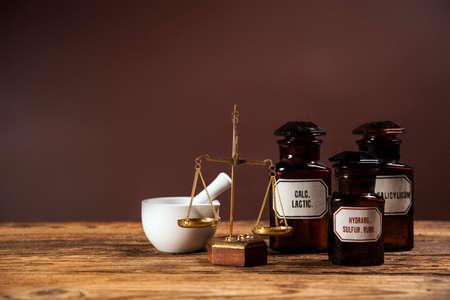 elixir: La antigua medicina natural, hierbas y medicinas