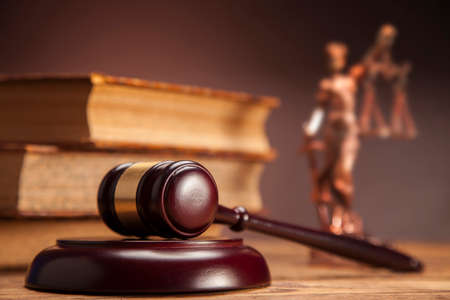 balanza de la justicia: Mazo de la justicia!
