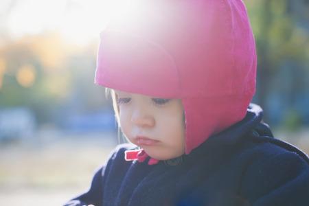petite fille triste: Triste petite fille