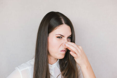 hyperhidrosis: young girl smelled a bad smell