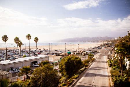 A Pacific Coast Highway visto de Santa Monica, em Los Angeles, Calif