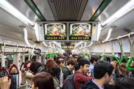 Crowded Subway 報道画像
