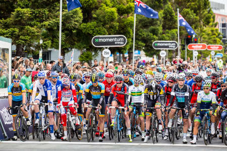 evans: MELBOURNE, AUSTRALIA - FEBRUARY 1: Riders line up for the start of the inaugral Cadel Evans Great Ocean Road Race Editorial